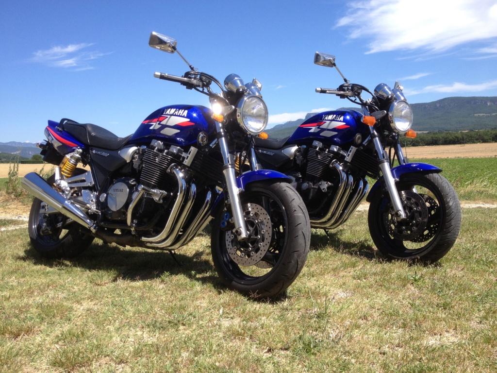 Franchement ........ les bleues .... c'est les plus belles  Img_4811