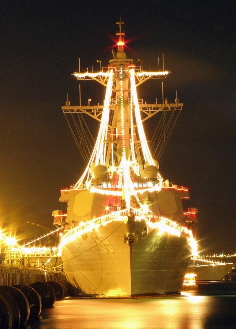 Bonnes Fêtes et Meilleurs Vœux à tous pour 2013 Navy_l10