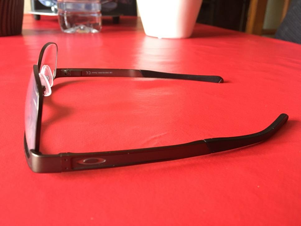 Les bonnes lunettes Img_2124