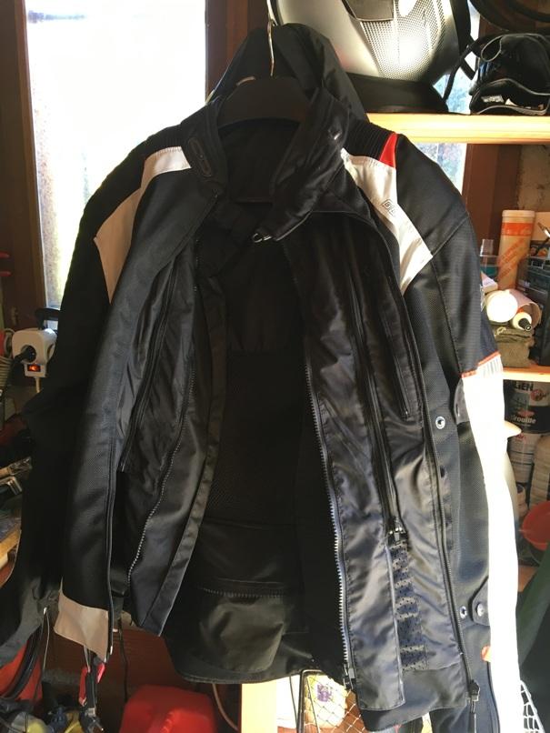 Blouson d'été moto et Pantalon marque Germot pour cause de tailles.... Img_3816