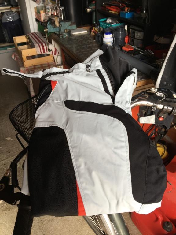 Blouson d'été moto et Pantalon marque Germot pour cause de tailles.... Img_6313
