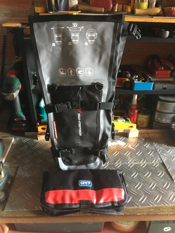 Suite complément bagagerie de la grosse nippone  Sacoche SW- Motech Dry By 80 Img_6624