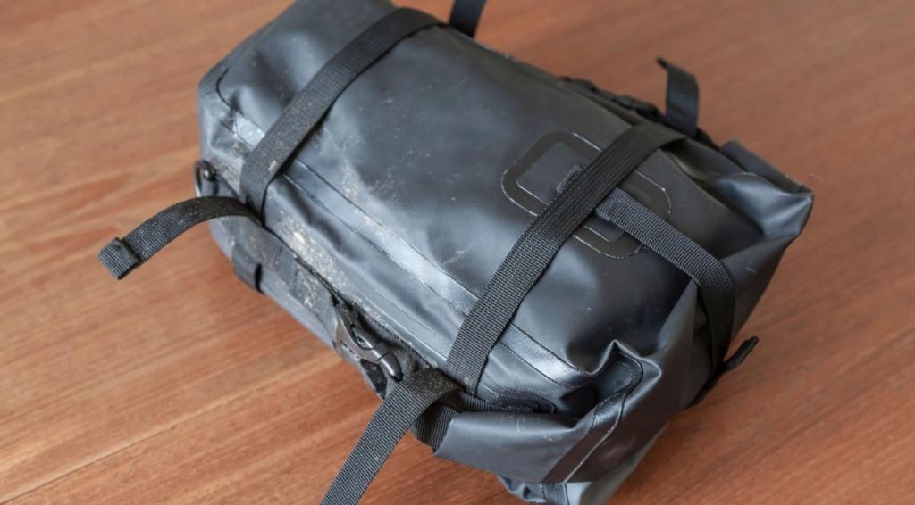 Suite complément bagagerie de la grosse nippone  Sacoche SW- Motech Dry By 80 Sw-mot11