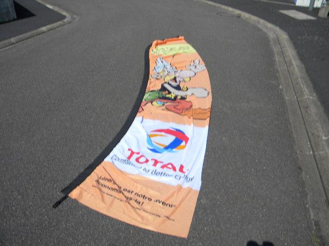 Asterix chez Total  Dscn2010