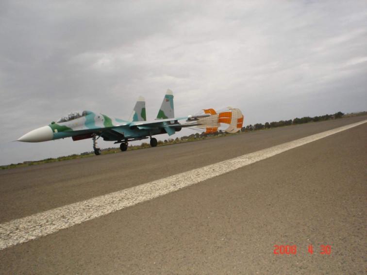 Su-27: News - Page 11 Eritre10