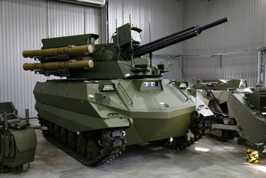 Russian Army Robots - Page 21 Uran9-11