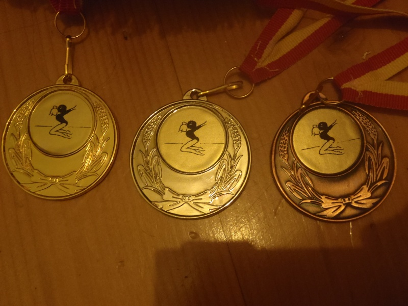 Médailles... Pb182710