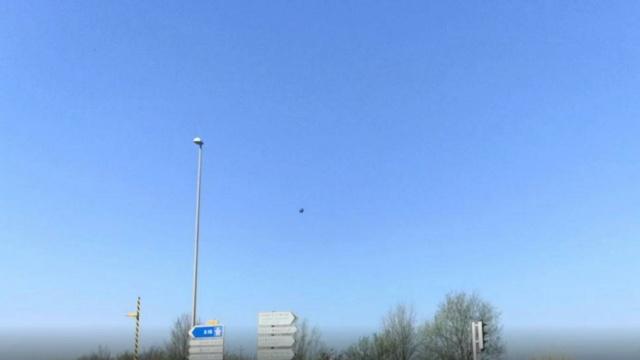 Grande-Synthe : il filme un ovni depuis sa voiture B9726710