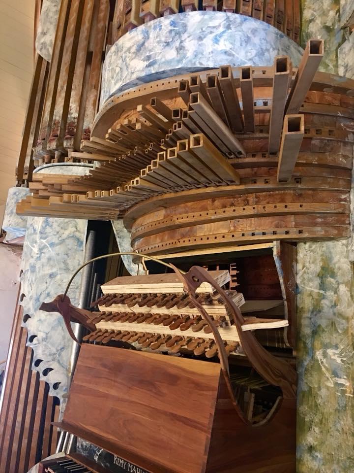 Et l'orgue de Pluvigner alors? 35839710