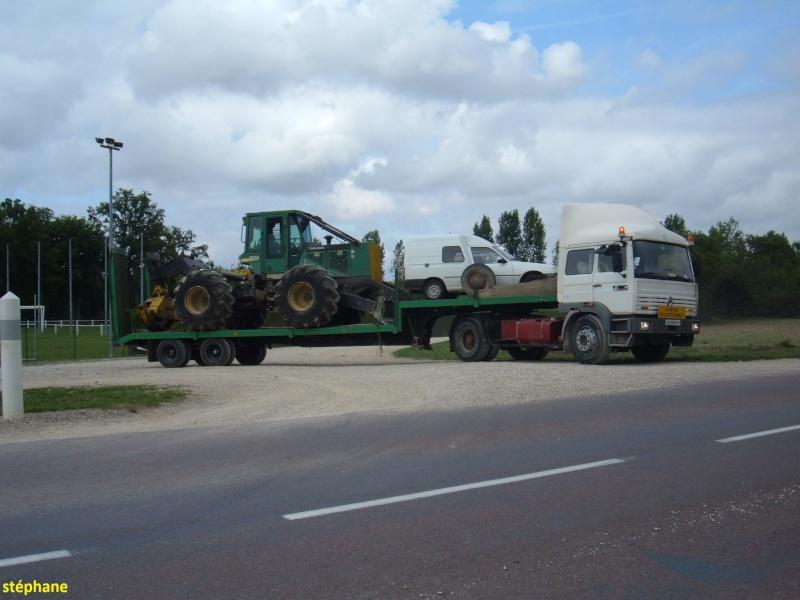 Transports de tracteurs forestier Dscf0721