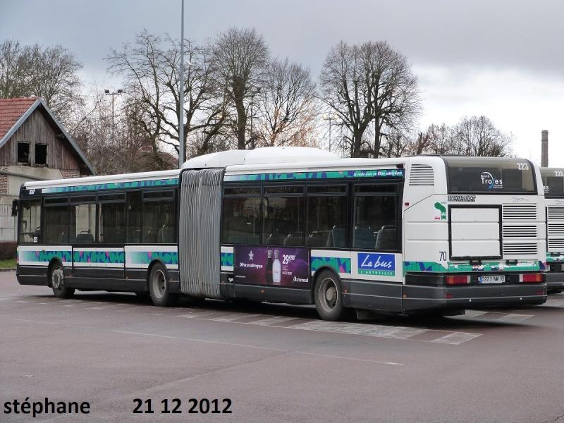 Cars et Bus de la région Champagne Ardennes - Page 3 P1050540