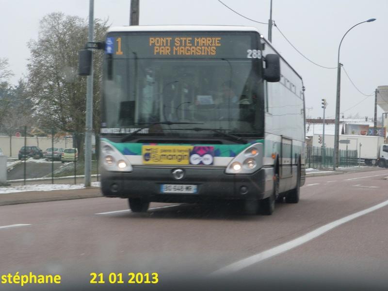 Cars et Bus de la région Champagne Ardennes - Page 3 P1050815