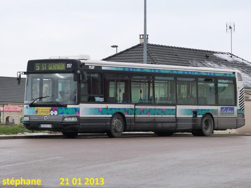 Cars et Bus de la région Champagne Ardennes - Page 3 P1050816