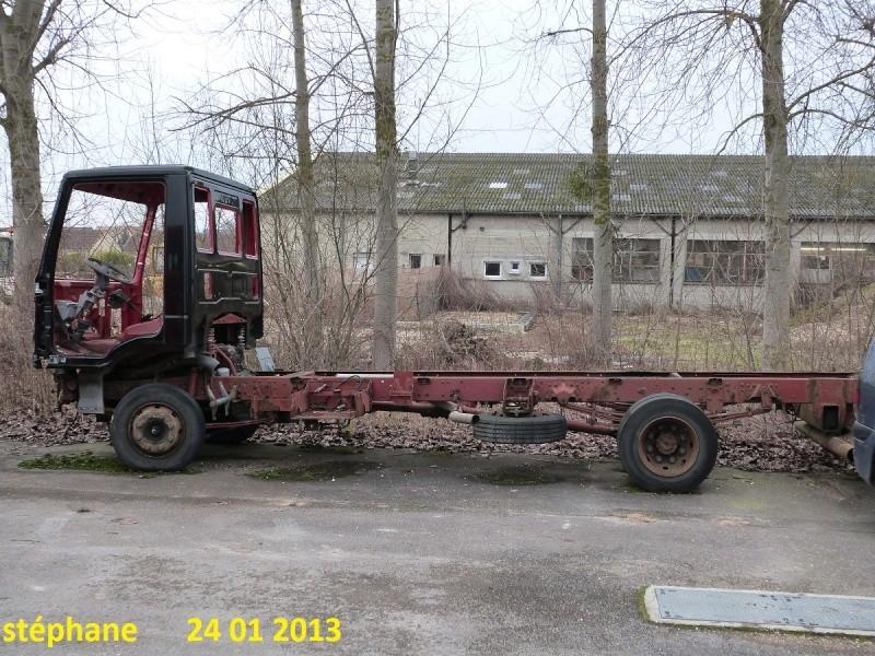 Camions en épave P1050862