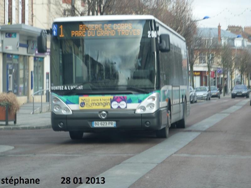 Cars et Bus de la région Champagne Ardennes - Page 3 P1050944