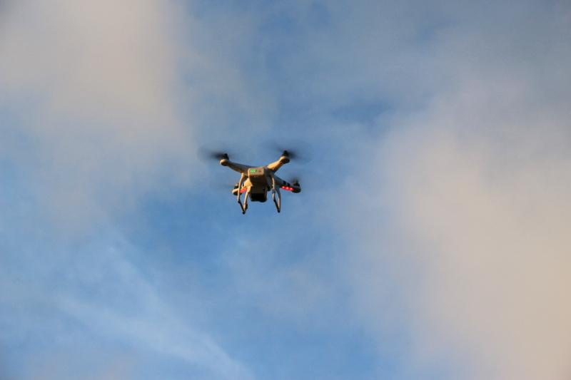 "Photos : ""insolite"" ou ""n'importe quoi"" ! - Page 25 Drone10"