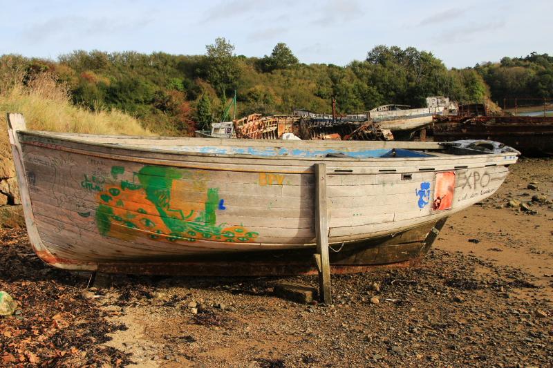 Fin de vie .... Cimetières de bateaux .... - Page 11 Epave_10