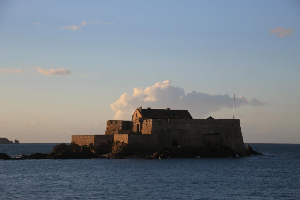 Saint-Malo [La cité Corsaire] - Page 36 Fort_n12