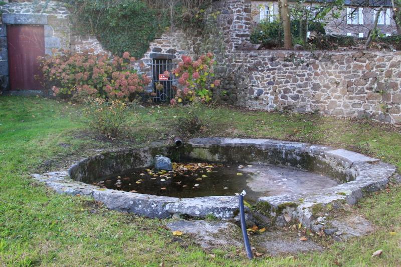 Des lavoirs, fontaines, bassins... - Page 4 Lavoir10