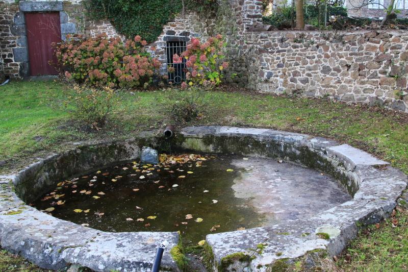 Des lavoirs, fontaines, bassins... - Page 4 Lavoir13