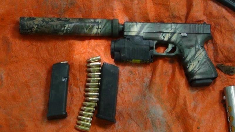 Glock + silencieux 73422910