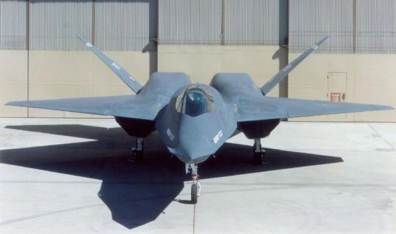 Avions Yf23ro10