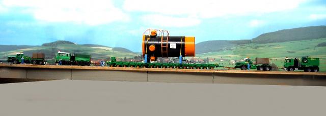 Un beau gros convoi de transport exceptionnel.  40662710