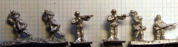 Petit comparatif de figurines dites 6 mm. Left_t10