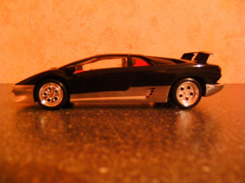 Lamborghini DIABLO VT von Revell in 1:25 Pict0100