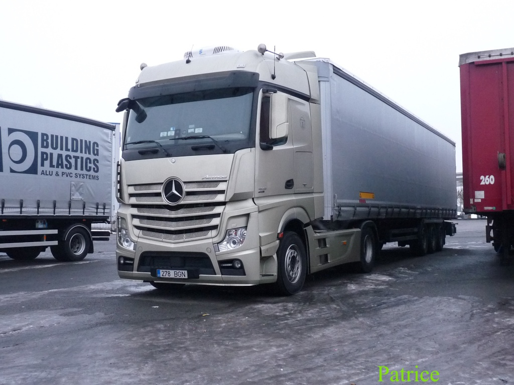 Mercedes Actros MP4 (euro 6 )  - Page 3 001_co36