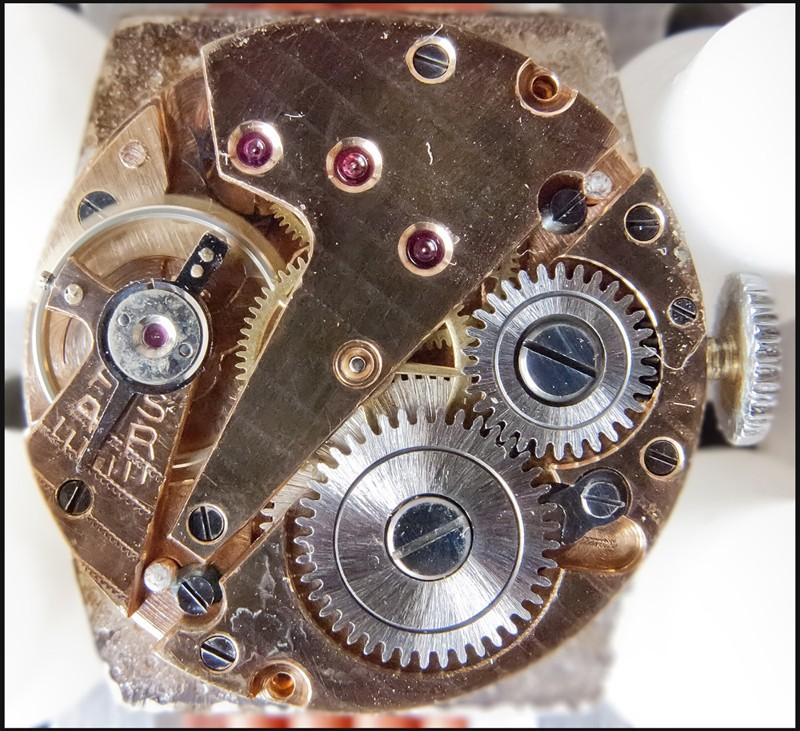 Breitling - [Ici TOPIC des demandes d'IDENTIFICATION et RENSEIGNEMENTS de vos montres] 13010912