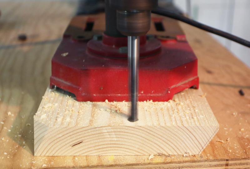 Perceuse à colonne pour perçage en plein bois 18_dac18
