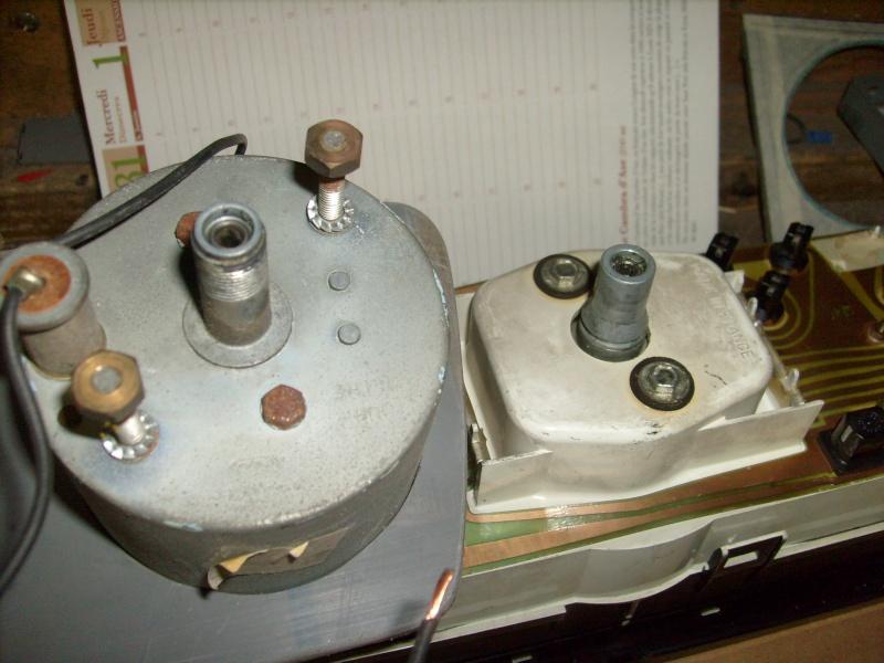 Fabrication d une planche support compteur tableau de bord S7300820