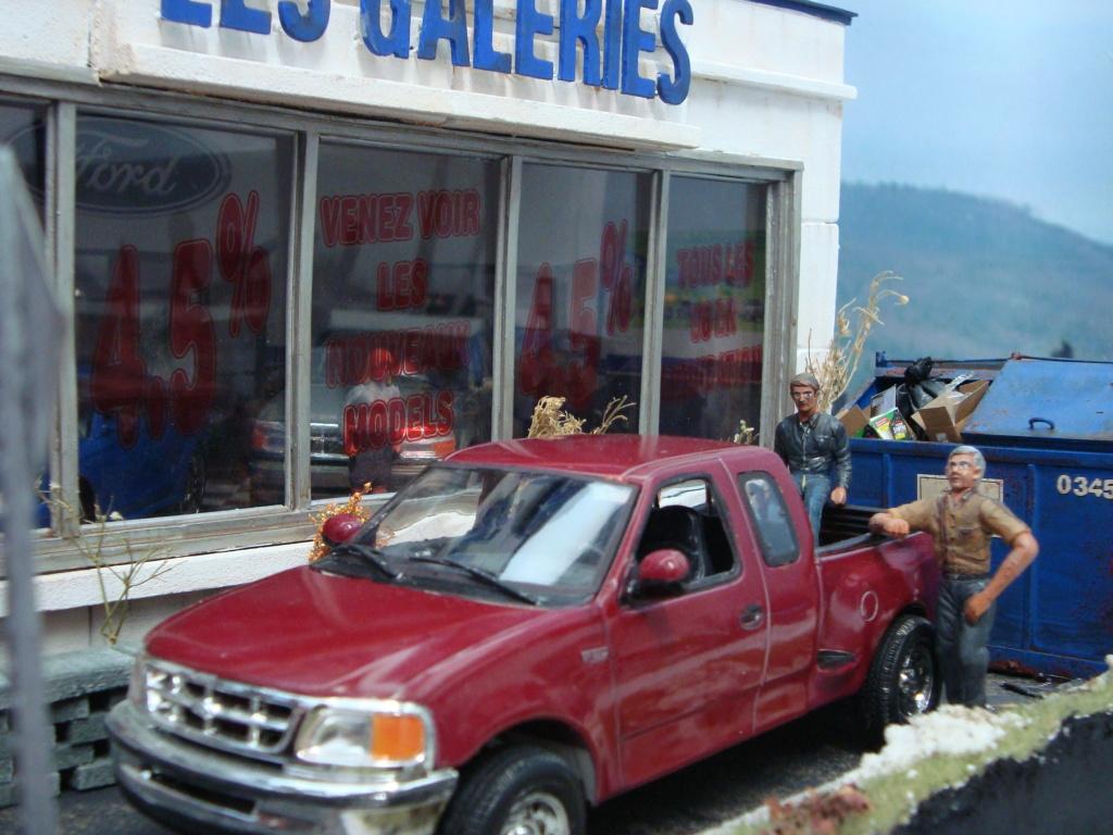 Van Dodge converti en camion-nacelle - Page 5 Ford_313