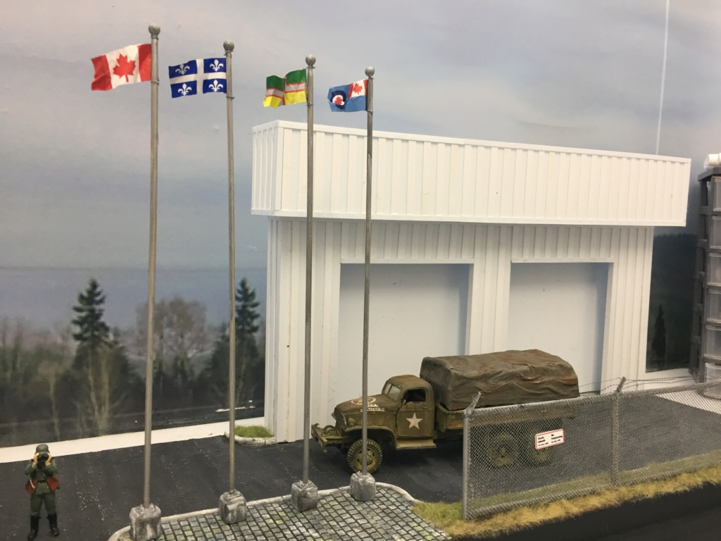 Diorama pour les 60 ans du CC 2646 (Corps de Cadets) - Takom JAPANESE-MADE SUV, Italeri M-925 Shelter Truck, Trumpeter Canadian Husky au 1/35 Img_7018
