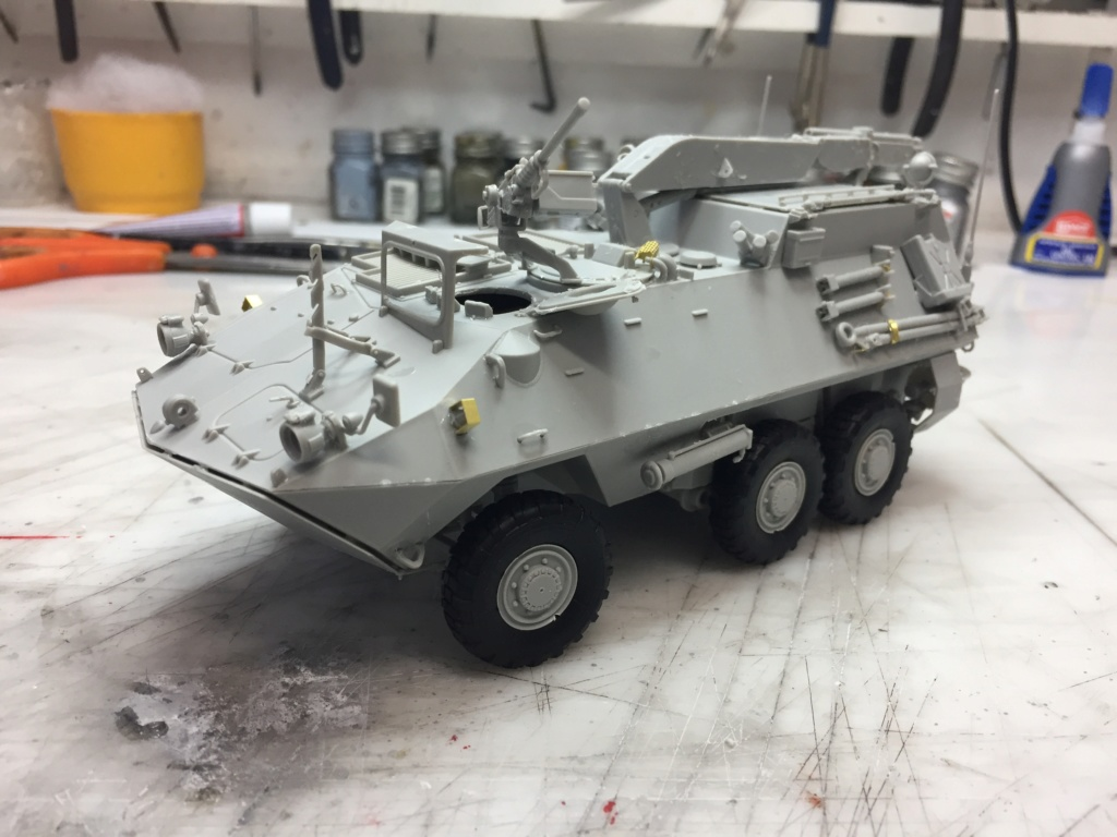 Diorama pour les 60 ans du CC 2646 (Corps de Cadets) - Takom JAPANESE-MADE SUV, Italeri M-925 Shelter Truck, Trumpeter Canadian Husky au 1/35 Img_7020