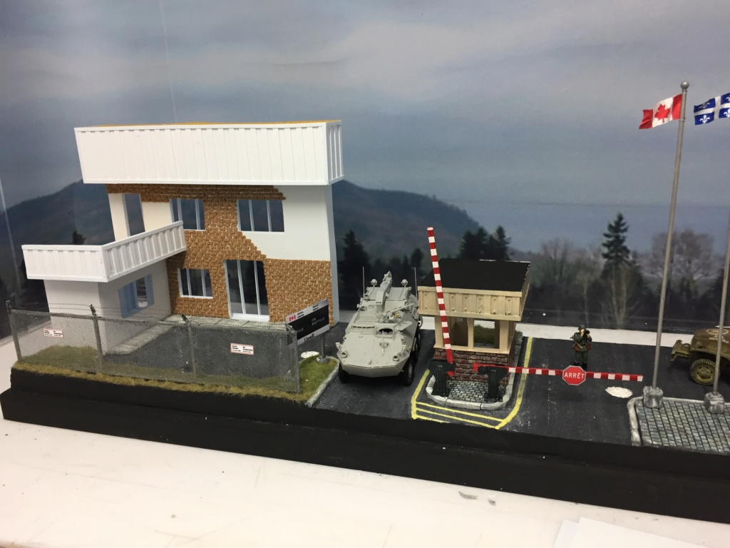 Diorama pour les 60 ans du CC 2646 (Corps de Cadets) - Takom JAPANESE-MADE SUV, Italeri M-925 Shelter Truck, Trumpeter Canadian Husky au 1/35 Img_7021