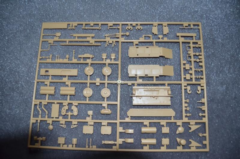 Flakpanzer IV Wirbelwind (Academy 1/35) Suite du montage du canon  Dsc_0028