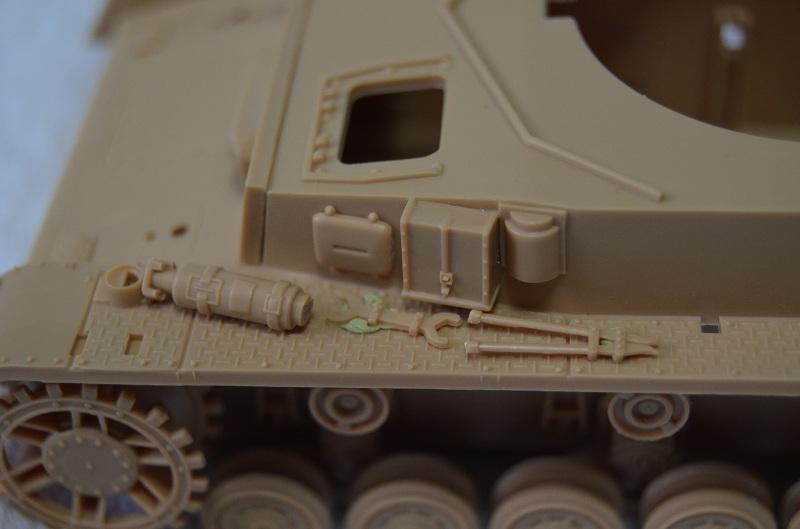 Flakpanzer IV Wirbelwind (Academy 1/35) Suite du montage du canon  Dsc_0044