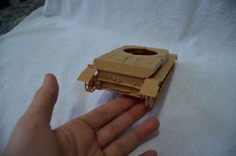 Flakpanzer IV Wirbelwind (Academy 1/35) Suite du montage du canon  Dsc_0046