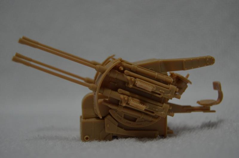 Flakpanzer IV Wirbelwind (Academy 1/35) Suite du montage du canon  Dsc_0057