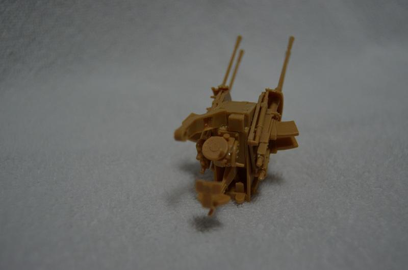 Flakpanzer IV Wirbelwind (Academy 1/35) Suite du montage du canon  Dsc_0060