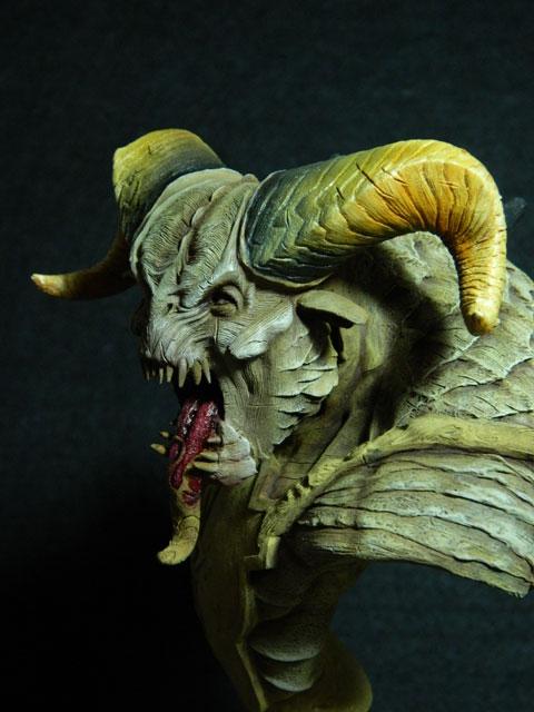 astaroth  buste de tres grande taille pegaso Dscn4210