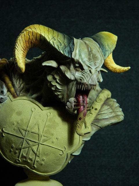astaroth  buste de tres grande taille pegaso Dscn4212