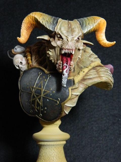 astaroth  buste de tres grande taille pegaso Dscn4214