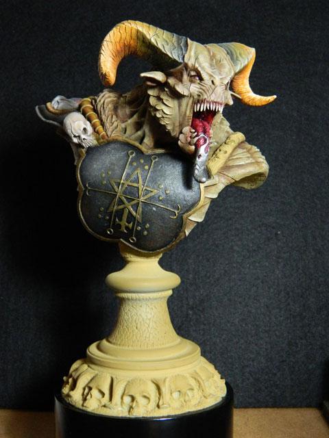 astaroth  buste de tres grande taille pegaso Dscn4218