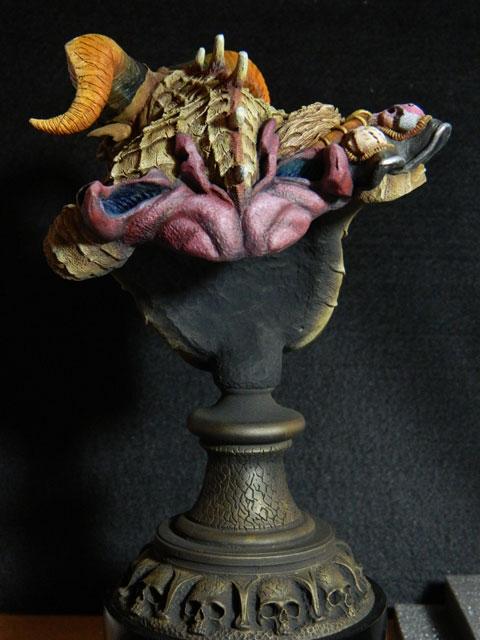 astaroth  buste de tres grande taille pegaso Dscn4310