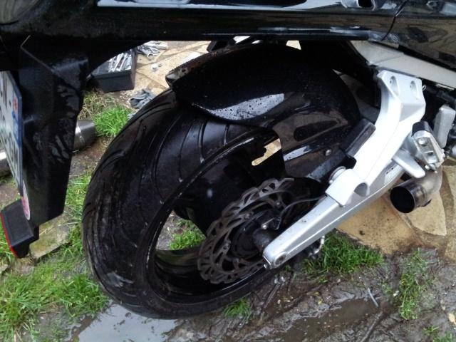 Lèche roue arrière pour FJR 2006  20121213