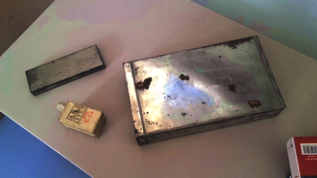 Belle découverte sur le  conditionnement des paquets de cartouches Chassepot. Boite_10