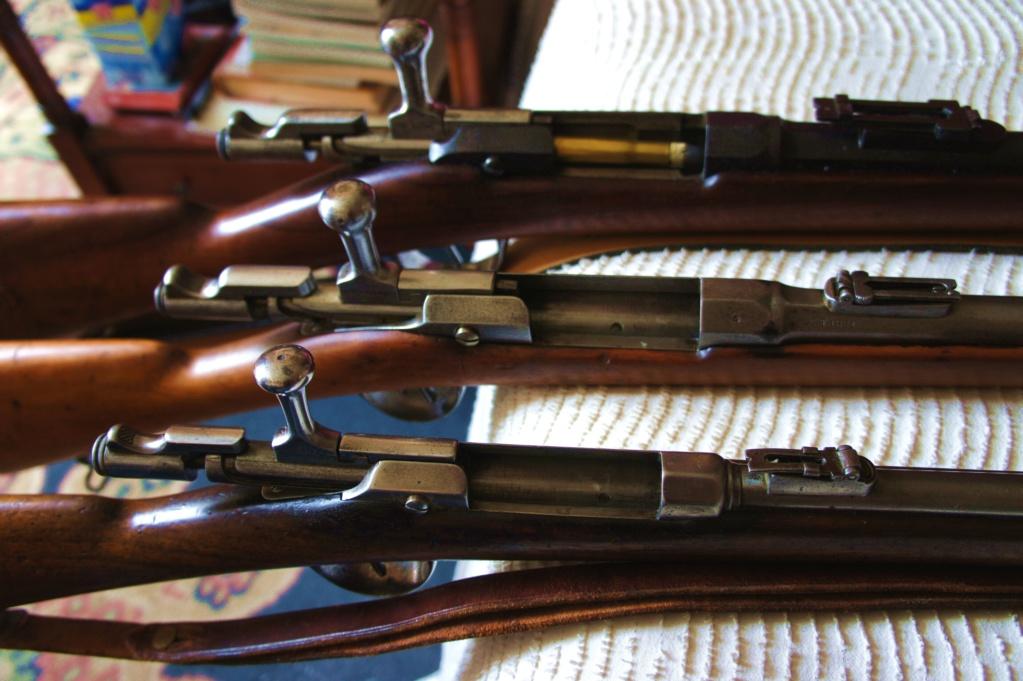 Des fusils scolaires face  à un  fusils gras d'infanterie Dsc04313